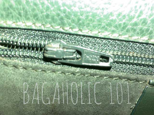 81d46d58a77de2 A vintage Gucci bag with a YKK zipper pull - Tips on Original Gucci Bags on