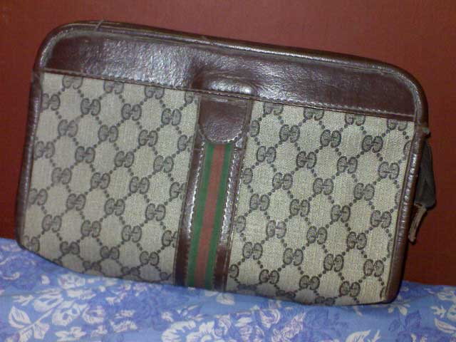 A vintage Gucci canvas bag which turned out to be fake - Ultimate Guide Before Buying Purses on Ebay