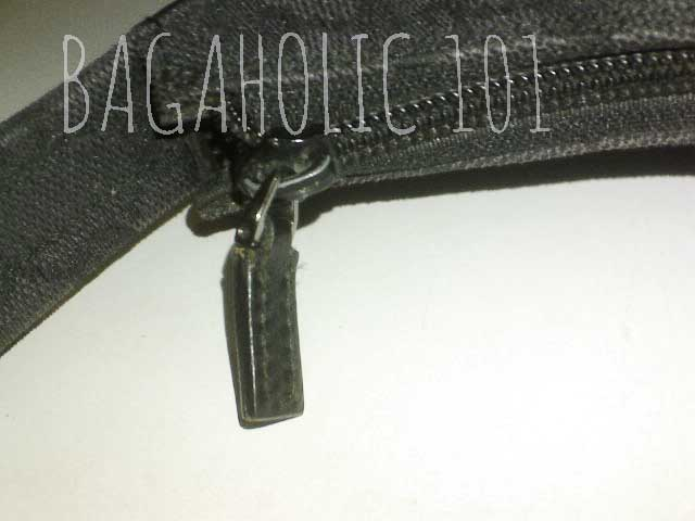 23206c0c7a4 Also a standard plain leather zipper pull on a black Gucci monogram bag - Tips  on