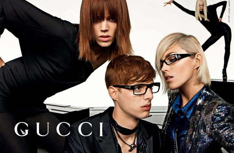 2009 Gucci Fall Winter ad campaign, a quintessential multi-model hallmark under Frida Giannini's era - Gucci advertising campaigns archive